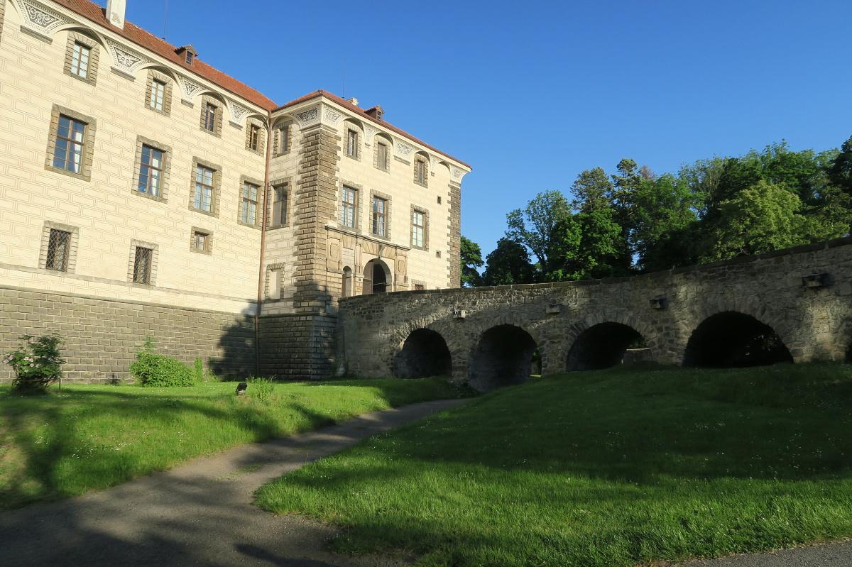 Pernštejnské ženy se usadily i na zámku v Nelahozevsi