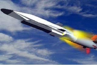 Komentátoři NI zdůraznili potenciál dvojího účelu rakety Zirkon