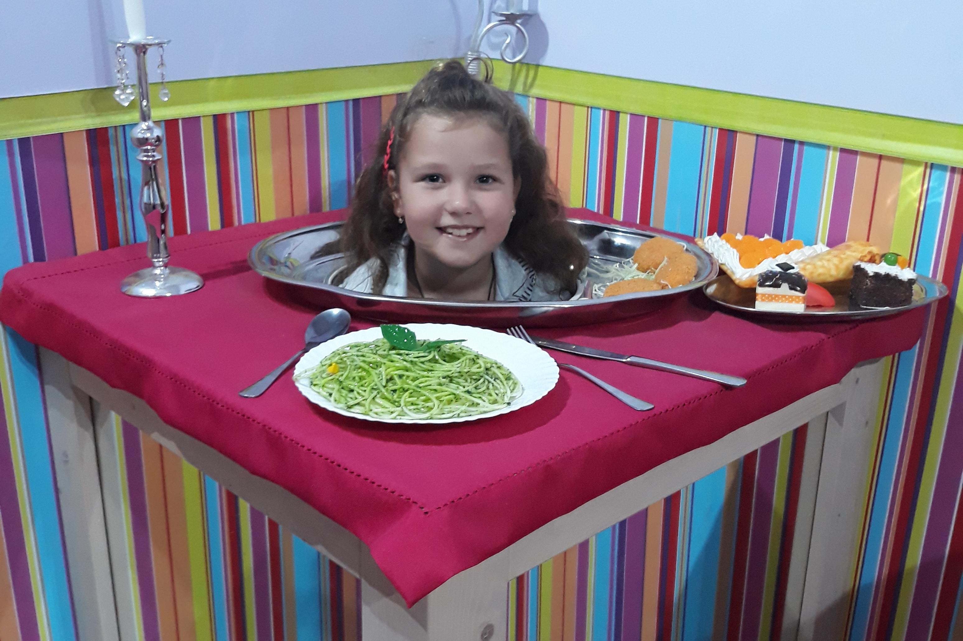 Středočeský kraj chce znovu pomoci s financováním školních obědů