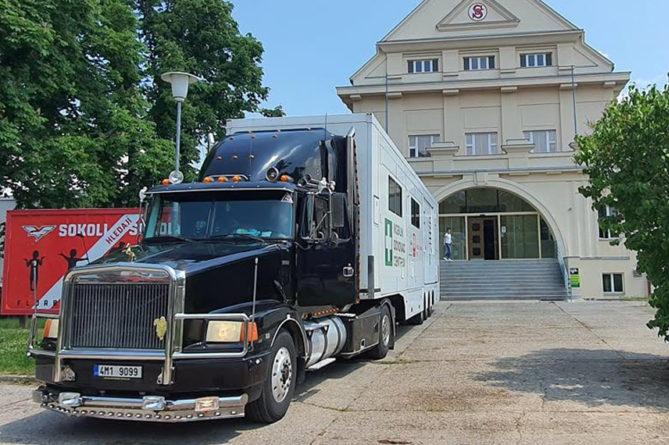 Očkovací kamion přejede příští týden do Chrudimské nemocnice