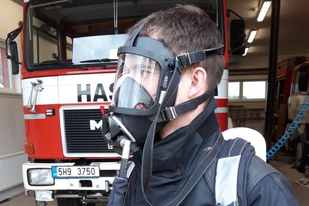 Hasiči v Lochenicích mají novou dýchací techniku