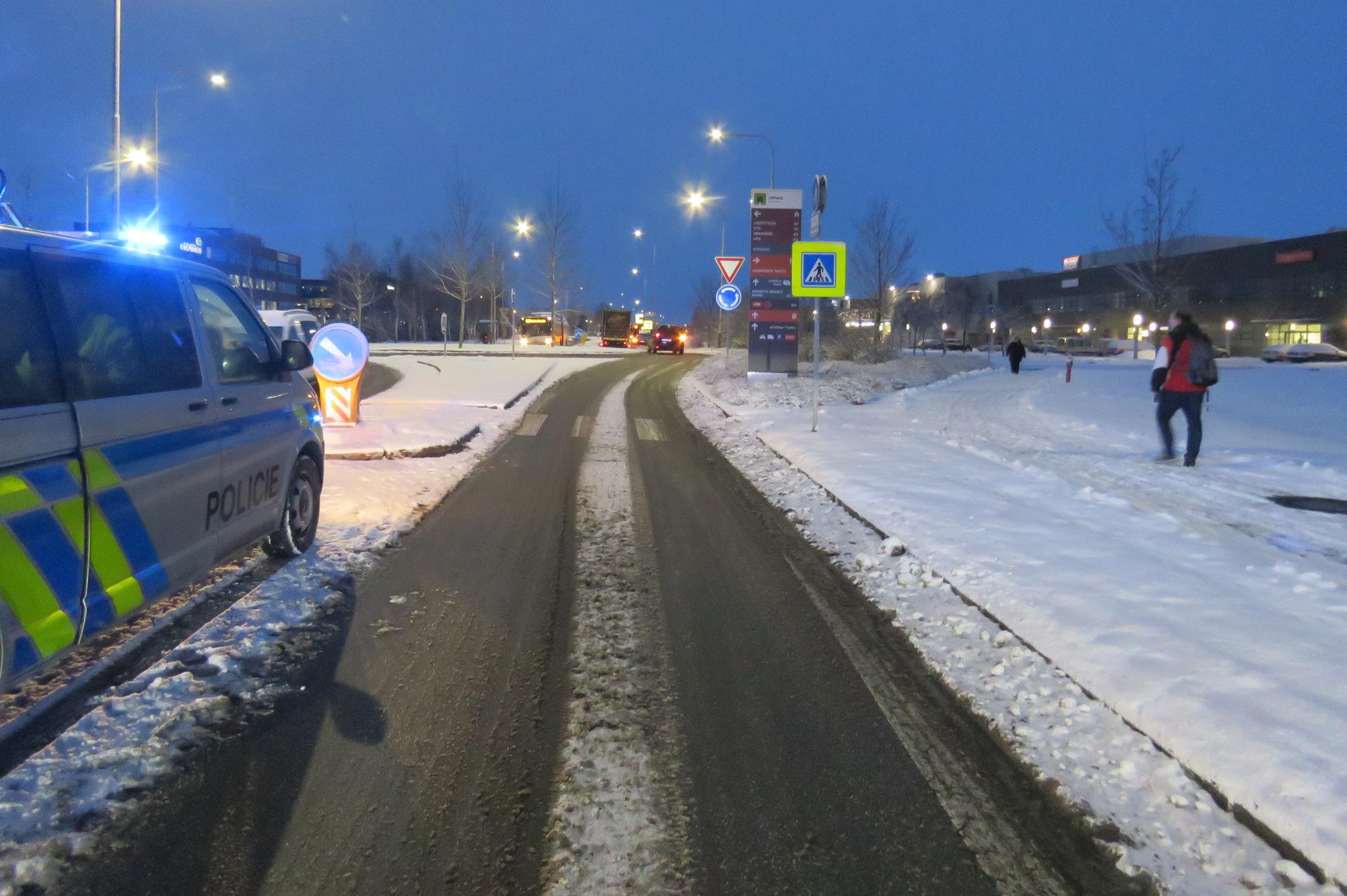 Policie hledá svědky dopravní nehody, kdy došlo ke sražení chodce