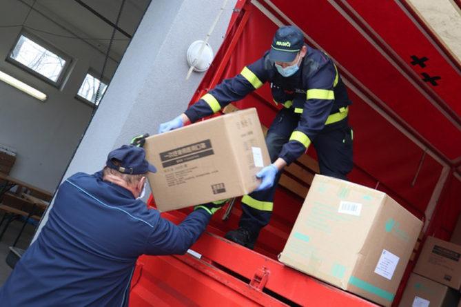 Dobrovolní hasiči zajistí rozvoz antigenních testů do škol v kraji